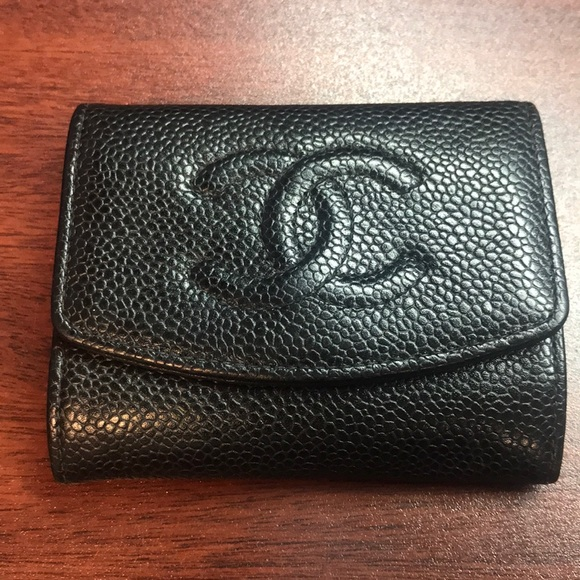 585b2697e6a9 CHANEL Accessories - CHANEL Vintage Caviar Timeless Card Holder Wallet